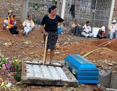 """Holding a club in my hand, I prevented [Aura Minerals/MINOSA] from depositing my father's remains in another tomb."" On April 11, 2018, Floresmira Lopez, Azacualpa community member, forced Aura Minerals/MINOSA to return the remains of her illegally dug up father to his resting place in the Azacualpa cemetery."